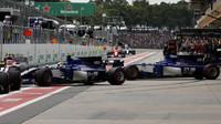 Pascal Wehrlein a Marcus Ericsson v kvalifikaci v Brazílii