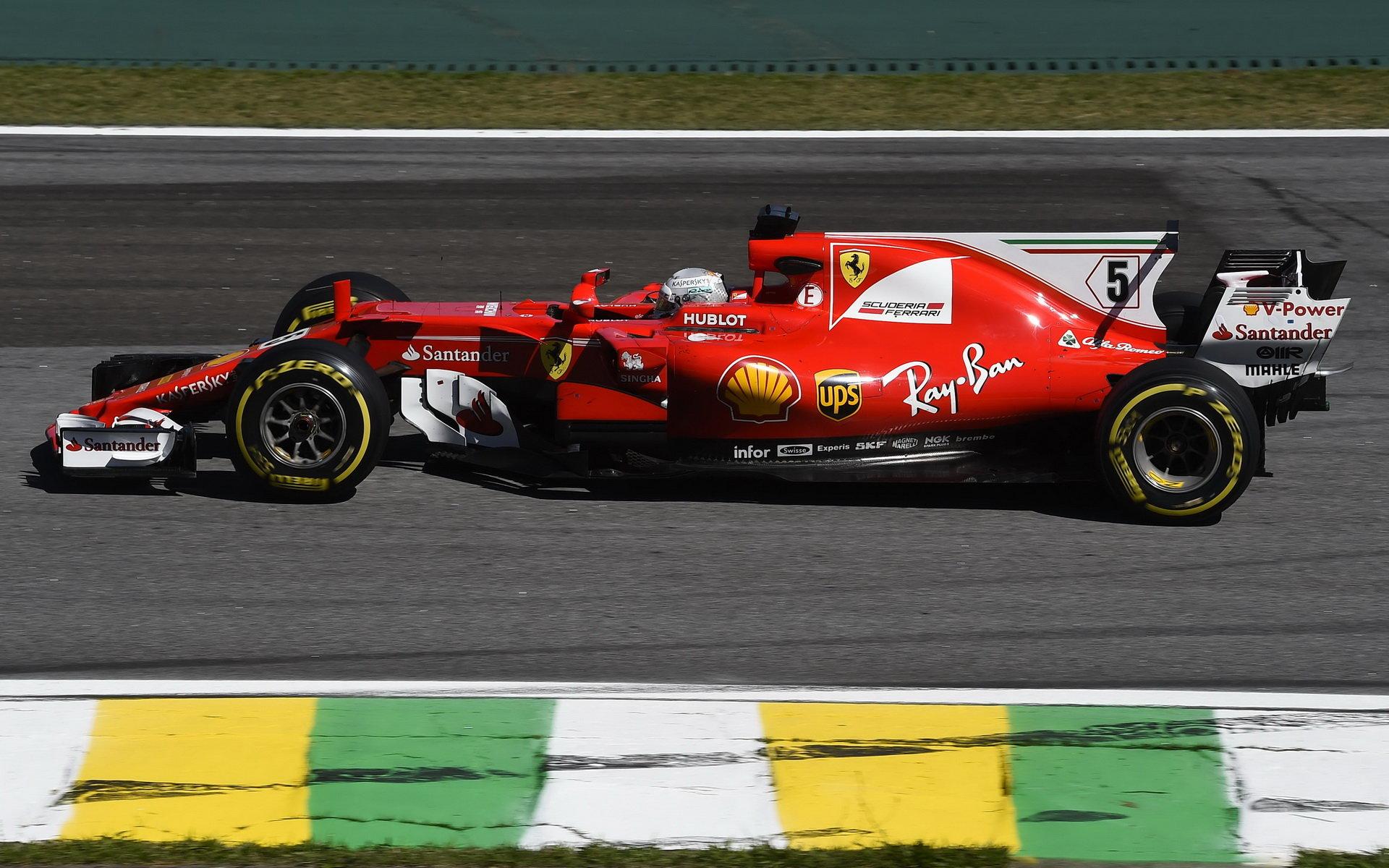 Sebastian Vettel s Ferrari v Brazílii