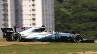 Lewis Hamilton v závodě v Brazílii