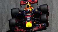 Max Verstappen v závodě v  Brazílii