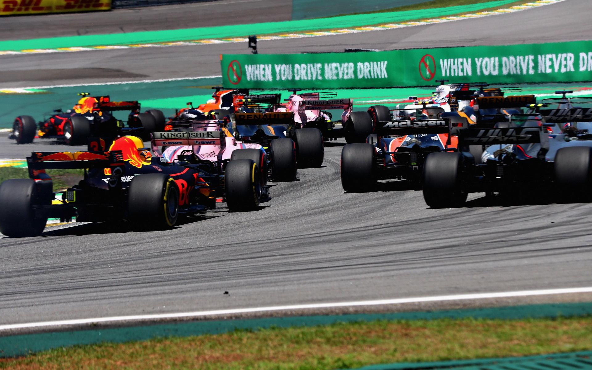 Red Bull je nejčasteji předjíždějícím týmem sezóny 2017