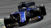 Marcus Ericsson v závodě v Brazílii