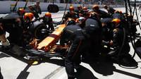 Fernando Alonso v závodě v Brazílii