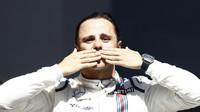 Felipe Massa se šel rozloučit s fanoušky na pódium po závodě v Brazílii