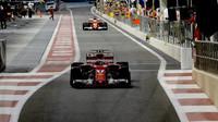 Kimi Räikkönen a Sebastian Vettel v kvalifikaci v Abú Zabí