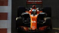 Fernando Alonso v kvalifikaci v Abú Zabí