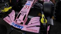 Přední křídlo vozu Force India VJM10 - Mercedes v Abú Zabí