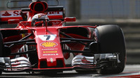 Kimi Räikkönen při testech v Abú Zabí