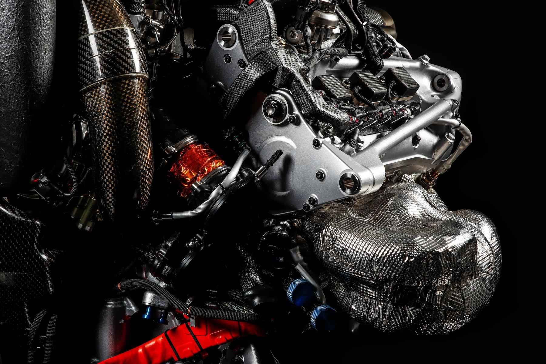 Pohonná jednotka Honda RA617H, kterou byl v sezóně 2017 vybaven McLaren MCL32