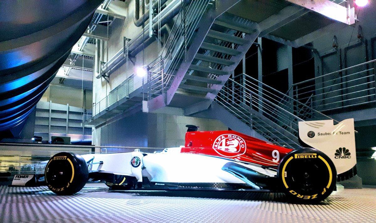 Nový vůz, nový motor, nové zbarvení, nová jezdecká sestava - Sauber zbrojí na nadcházející sezónu