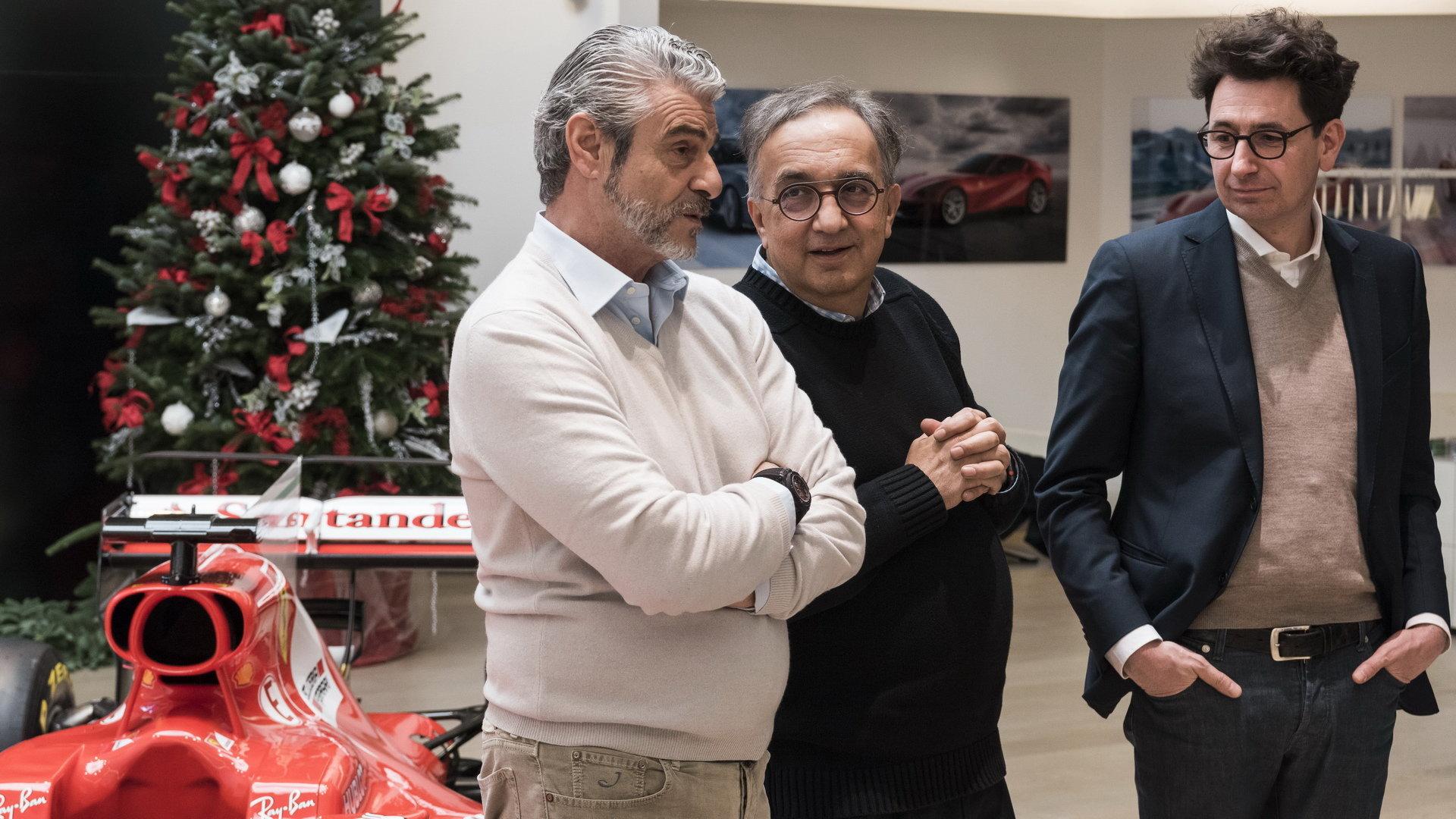 Šéfové Ferrari na tradičním předvánočním večírku