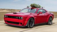 Chlapi z Hennessey Performance vyzkoušeli, jak dopadne vánoční stromek po jízdě rychlostí 280 km/h