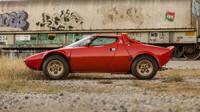 Lancia Stratos ve slušivé červené barvě