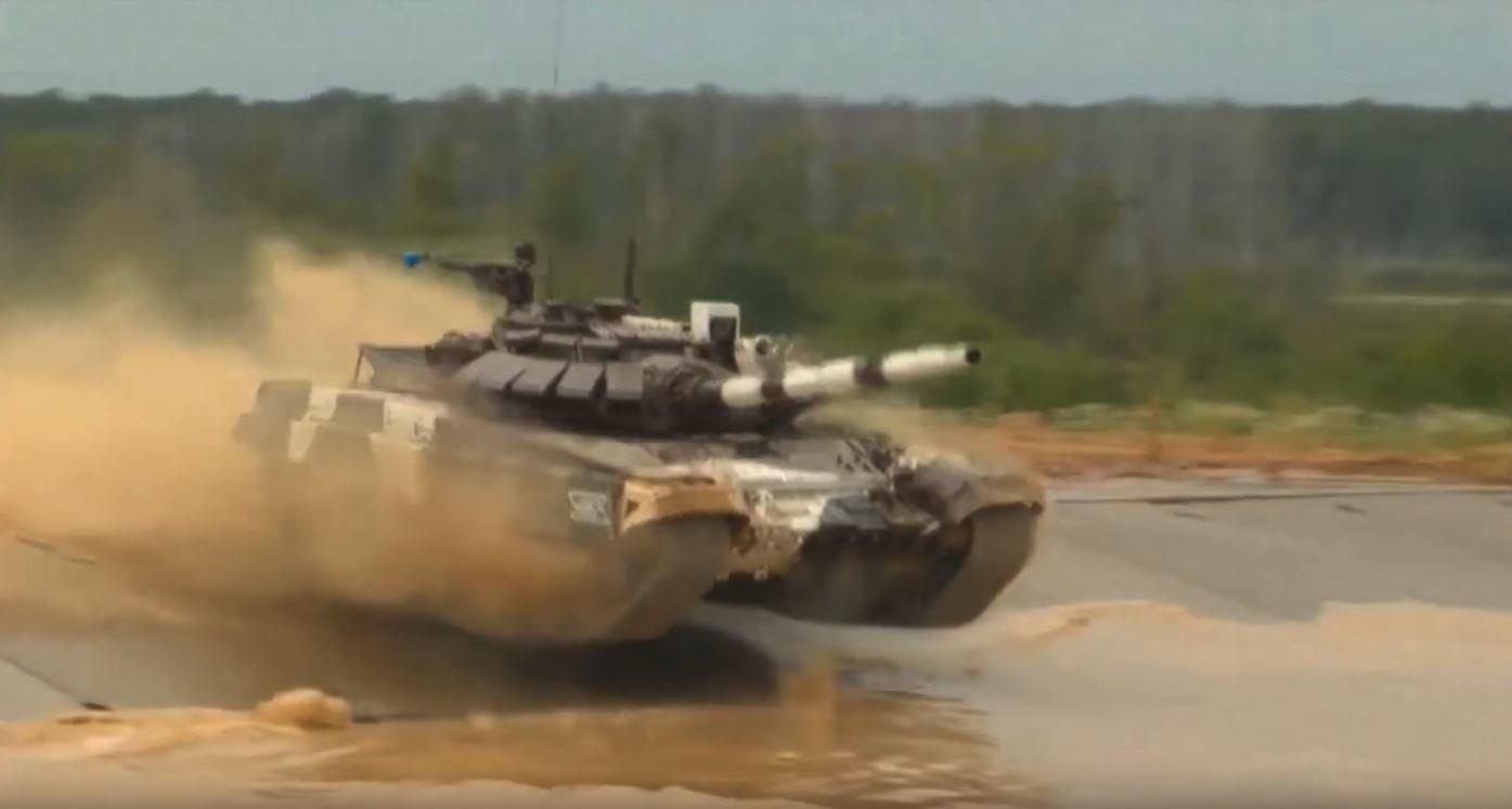 """Ruská armáda se v roce 2017 účastnila """"Tankového biatlonu"""" se strojem T-72B3"""