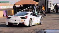 nebo upravené Ferrari