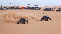 Závod v pouštních dunách Glamis