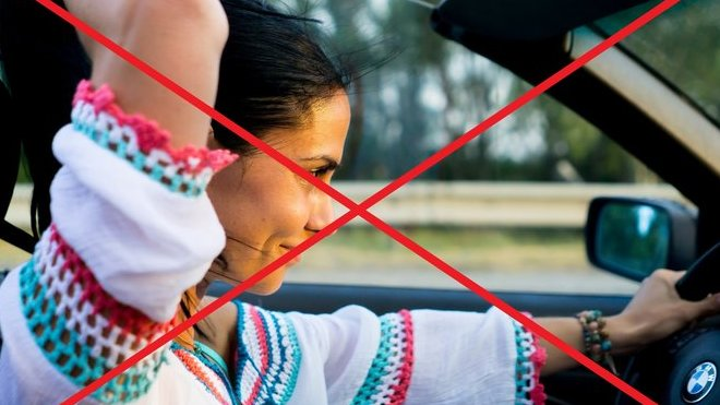 Ženy za volantem mají v Turkmenistánu smůlu, o svůj řidičák i automobil jednoduše přijdou