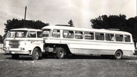Karosa NO 80 vedla dvojí život. Ráno a večer přepravovala lidi, přes poledne náklad - anotační foto
