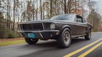 Všechny novinky Detroitu zastínil zrezivělý a omlácený Mustang. Má však cenu 83 milionů - anotační foto