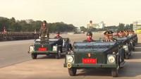 """Armádní Volkswagen 181 během přehlídky ke """"Dni thajské armády"""""""