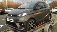 Tento Aixam e-Coupé GTI vyjde na 602 000 Kč