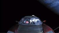 Tesla Roadster ve vesmíru
