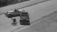 Prvorepubliková reklama na pneumatiky značky Baťa