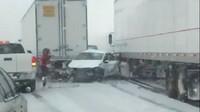 Záběry z děsivé nehody na dálnici I-44