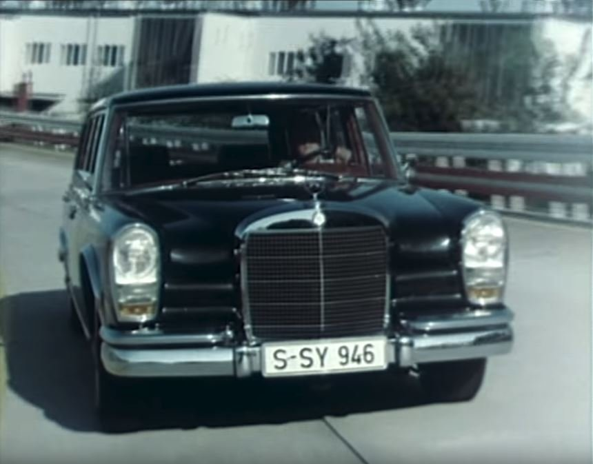 Mercedes-Benz vybral pět nejluxusnějších modelů ze své historie