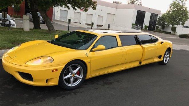 Ferrari 360 přepracované na limuzínu