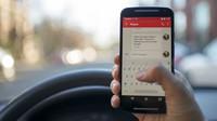 Jak používat mobil za volantem a nenabourat? Odborníci prozradili pár triků - anotační obrázek