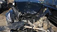 Vážně poškozená Tesla Model 3 zachránila řidiči život. Během nehody však došlo k relativně zbytečnému zranění spolujezdkyně