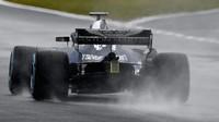 Red Bull RB14 - Renault se poprve projel po dráze