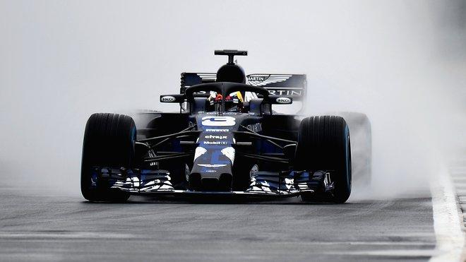 Daniel Ricciardo s novým Red Bullem RB14 před svou nehodou v Silverstone