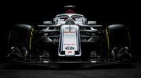 Sauber a Toro Rosso s novými vozy už krouží, natáčejí na okruzích + VIDEO - anotační foto