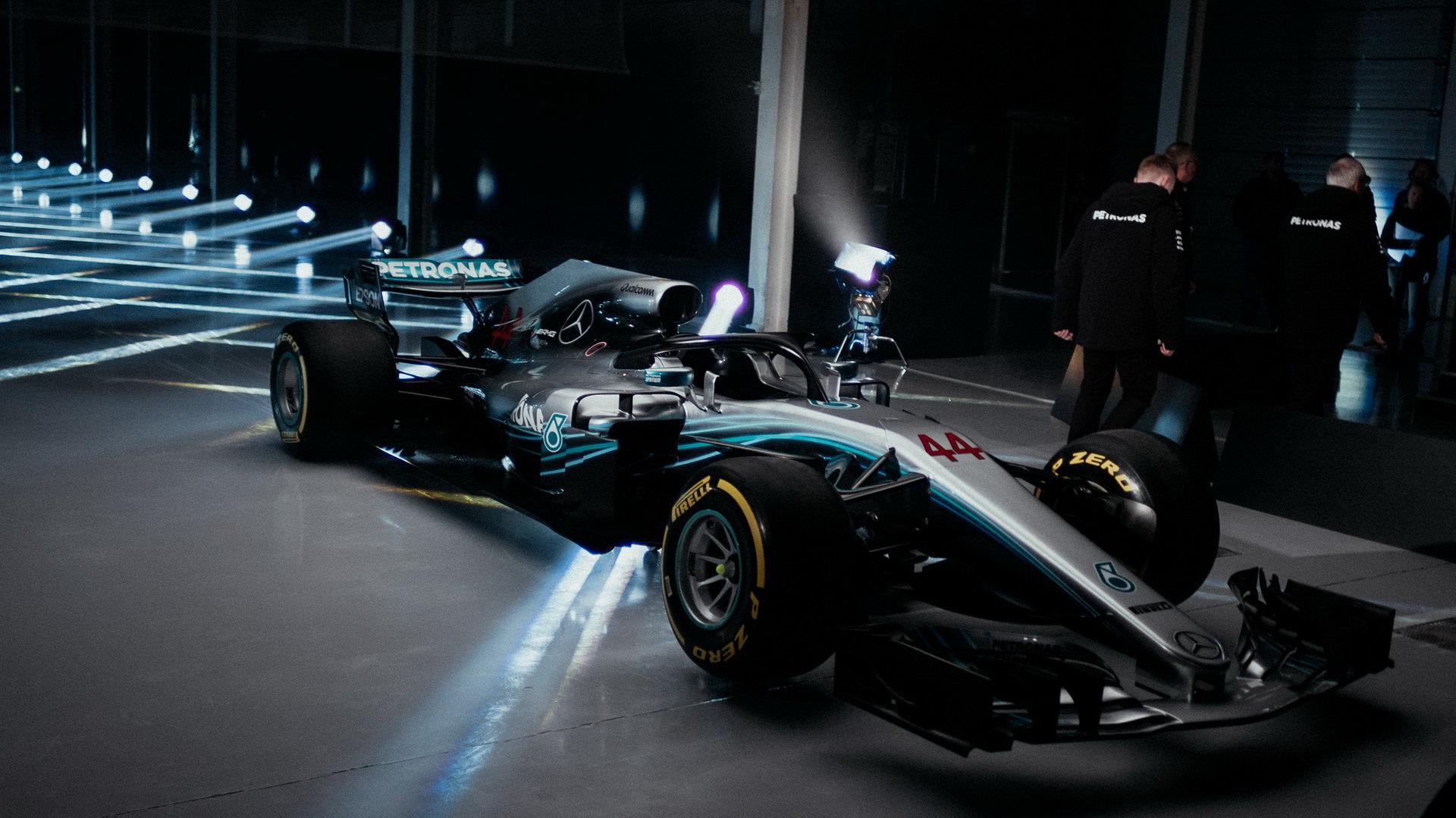 Představení nového vozu Mercedes F1 W09 EQ Power+
