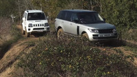 Staré Suzuki Jimny v terénu porazilo legendární Range Rover