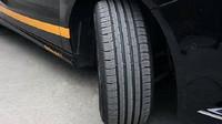 První test letních pneumatik: Rozdíl 5 metrů může být zásadní - anotační foto