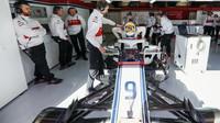 Marcus Ericsson s novým Sauberem C37 poprvé na trati