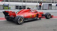 Ferrari SF71 vyjíždí na trať