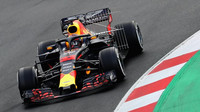 Max Verstappen při prvních předsezonních testech v Barceloně
