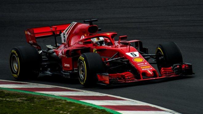 Sebastian Vettel během předsezónních testů v Barceloně