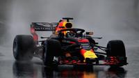 Daniel Ricciardo za nepohody při testech v Barceloně
