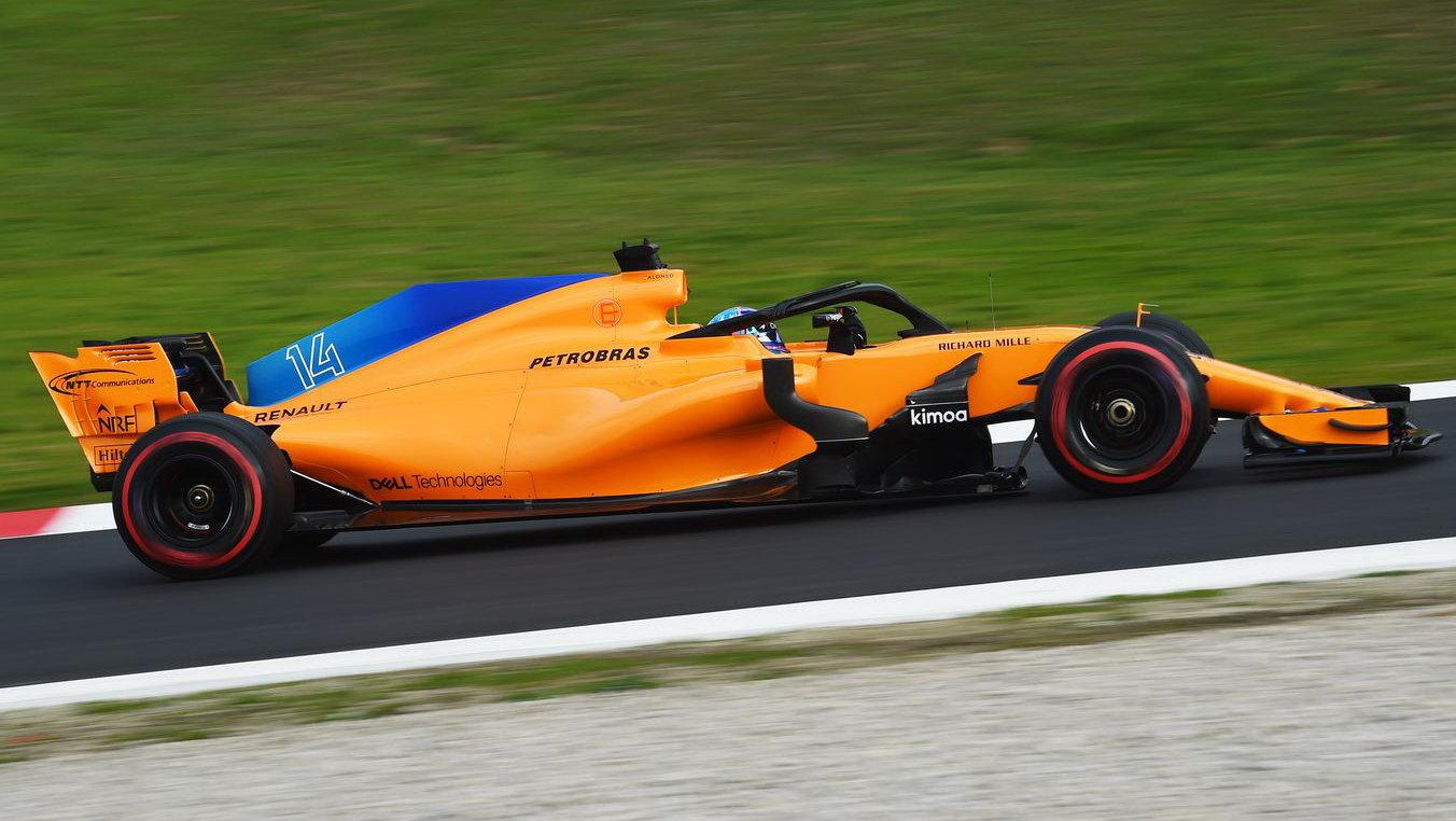Fernando Alonso s McLarenem MCL33 v Barceloně