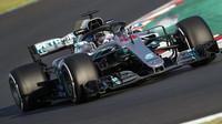 Lewis Hamilton v druhých předsezonních testech v Barceloně