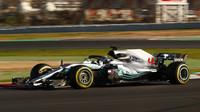 Hamilton v 2. tréninku opět nejrychlejší, soupeři jsou ale Mercedesu už mnohem blíže - anotační foto
