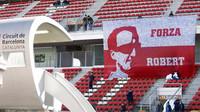 Fanoušci Roberta Kubici v druhých předsezonních testech v Barceloně