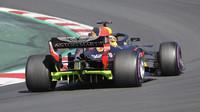 Red Bull během předsezónních testů v Barceloně