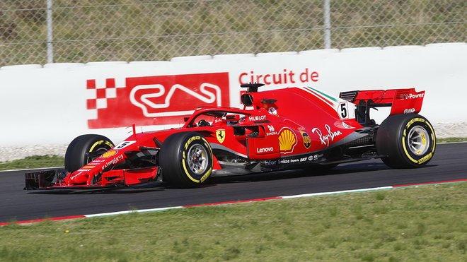 Ferrari během předsezónních testů v Barceloně
