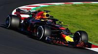 Daniel Ricciardo v druhých předsezonních testech v Barceloně